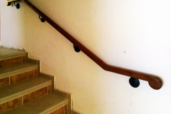 Стенна дървена ръкохватка 9056