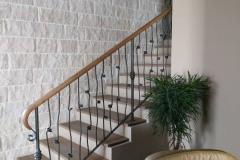 Парапет за стълбище с дървена ръкохватка 9008