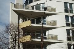 Парапет от неръждаема стомана и стъкло за  фасада на блок 8032